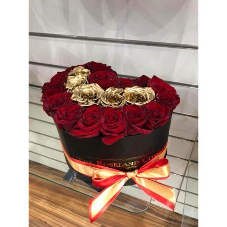 Fekete szív vörös és arany rózsával