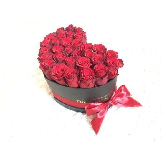 Feket_szív_vörös_rózsa